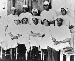 Медики в больнице Левый берег