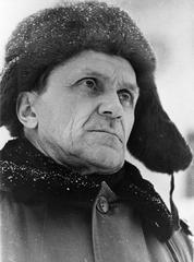 Портрет Шаламова в шапке-ушанке (b)